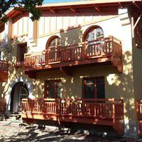 Balcons et garde-corps en bois exotique