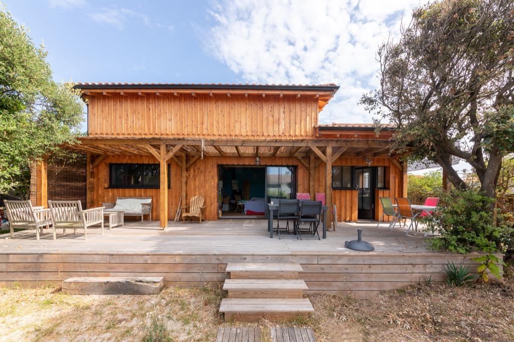 Maison à ossature bois, bardage douglas à Carcans en Gironde 33